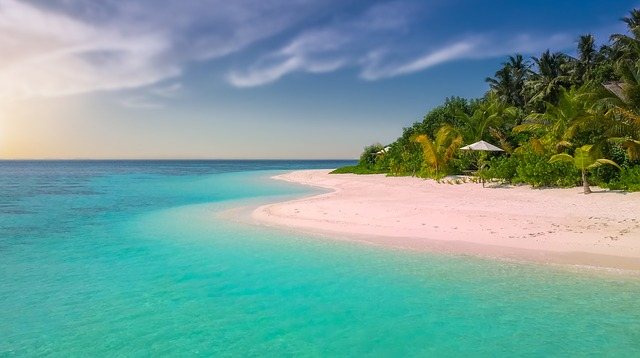 růžová pláž