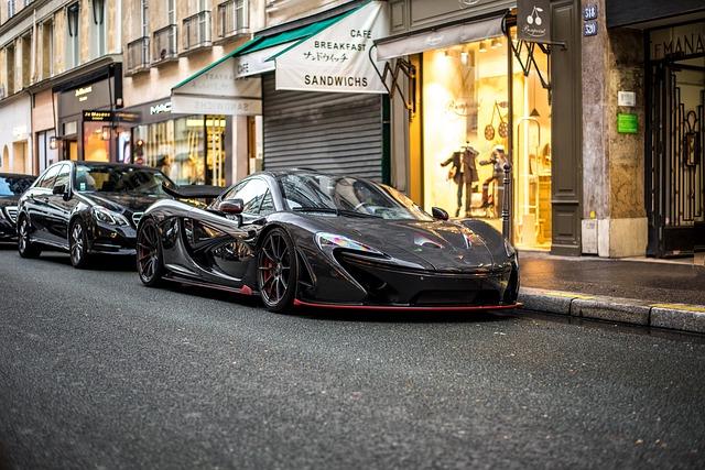 černý McLaren
